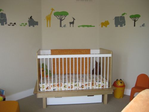 Modern Nursery Design - Argington Sahara Crib and Pixel Orgnaics Bedding