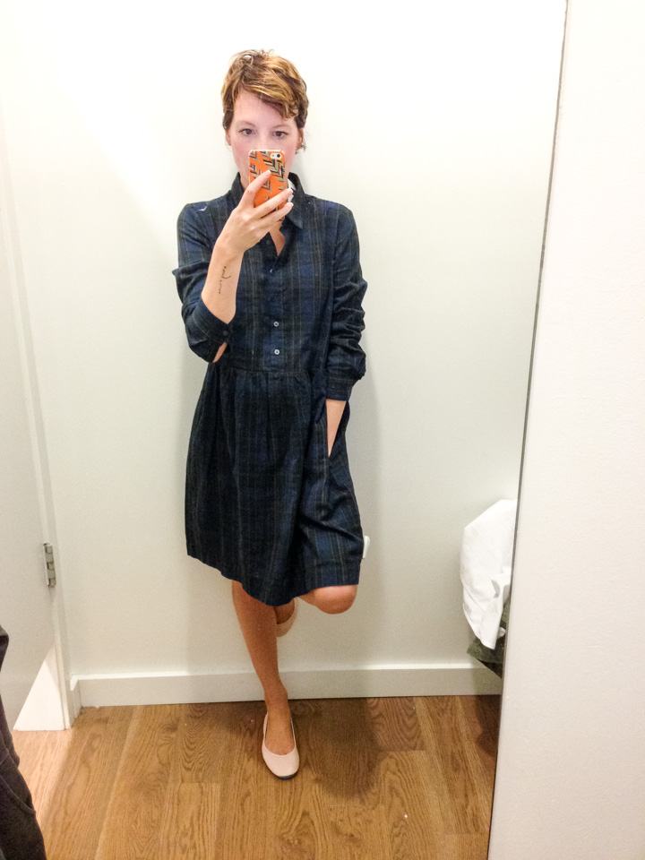 gap-dress-dressingroomselfie-2