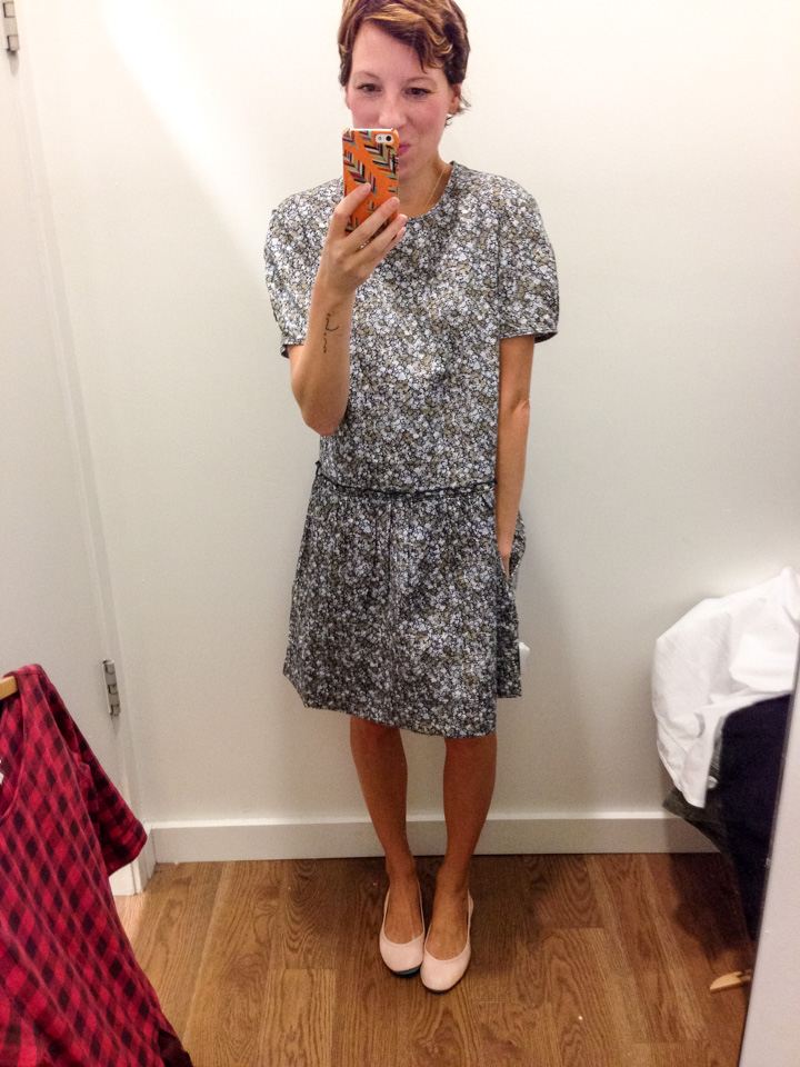 gap-dress-dressingroomselfie-7