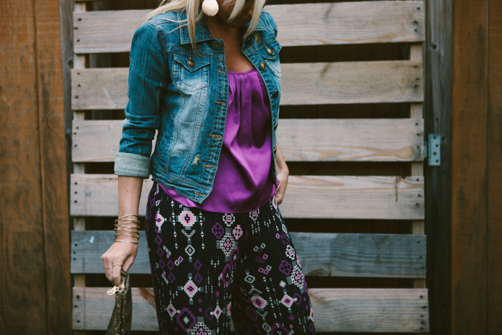 how-to-wear-printed-pants-8