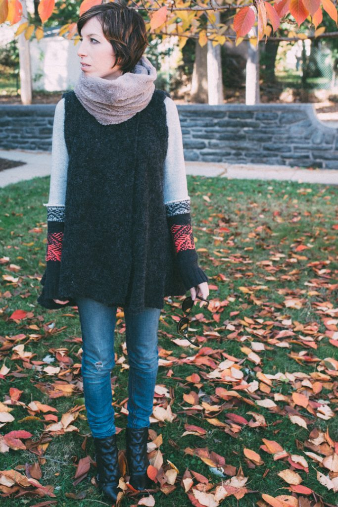 howtolayer-freepeople-vest-marcjacobs-boots-fauxfur-scarf-12