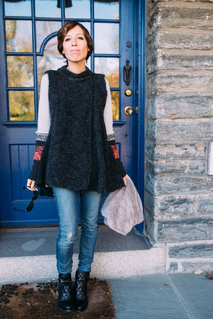 howtolayer-freepeople-vest-marcjacobs-boots-fauxfur-scarf-4
