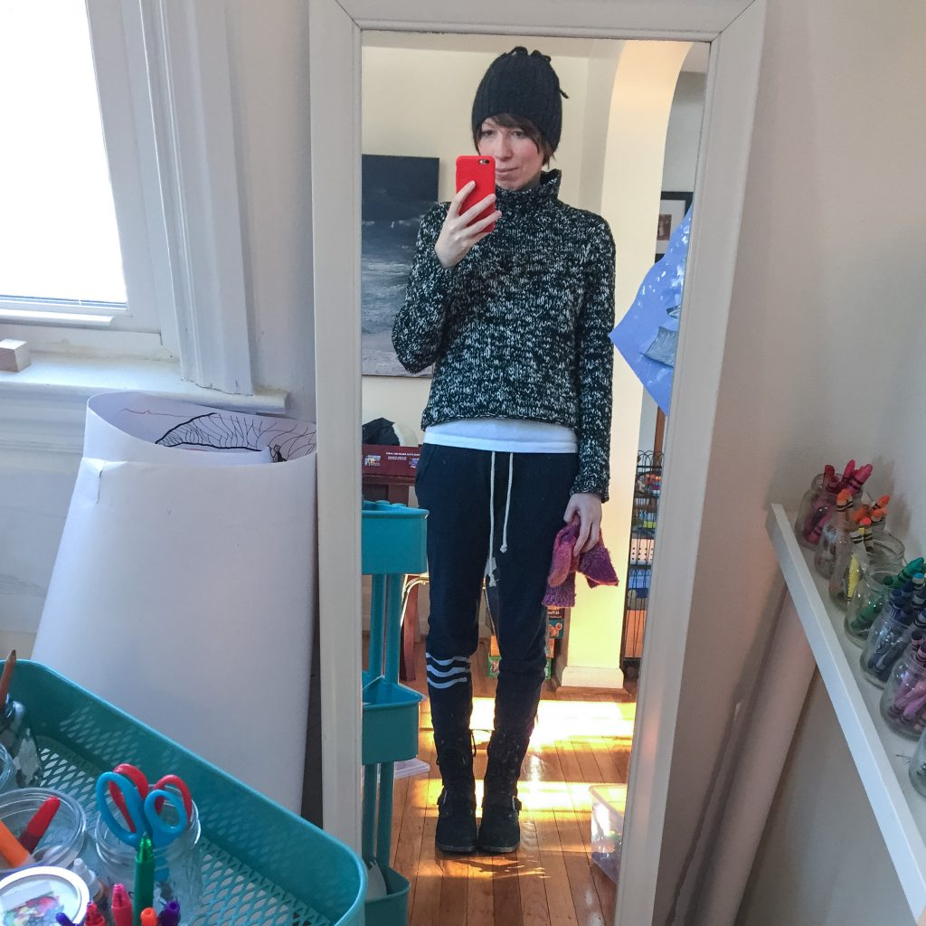everydaystyle-solangeles-sweatpants-eileen-fisher-cropped-turtleneck-ugg-combat-boots