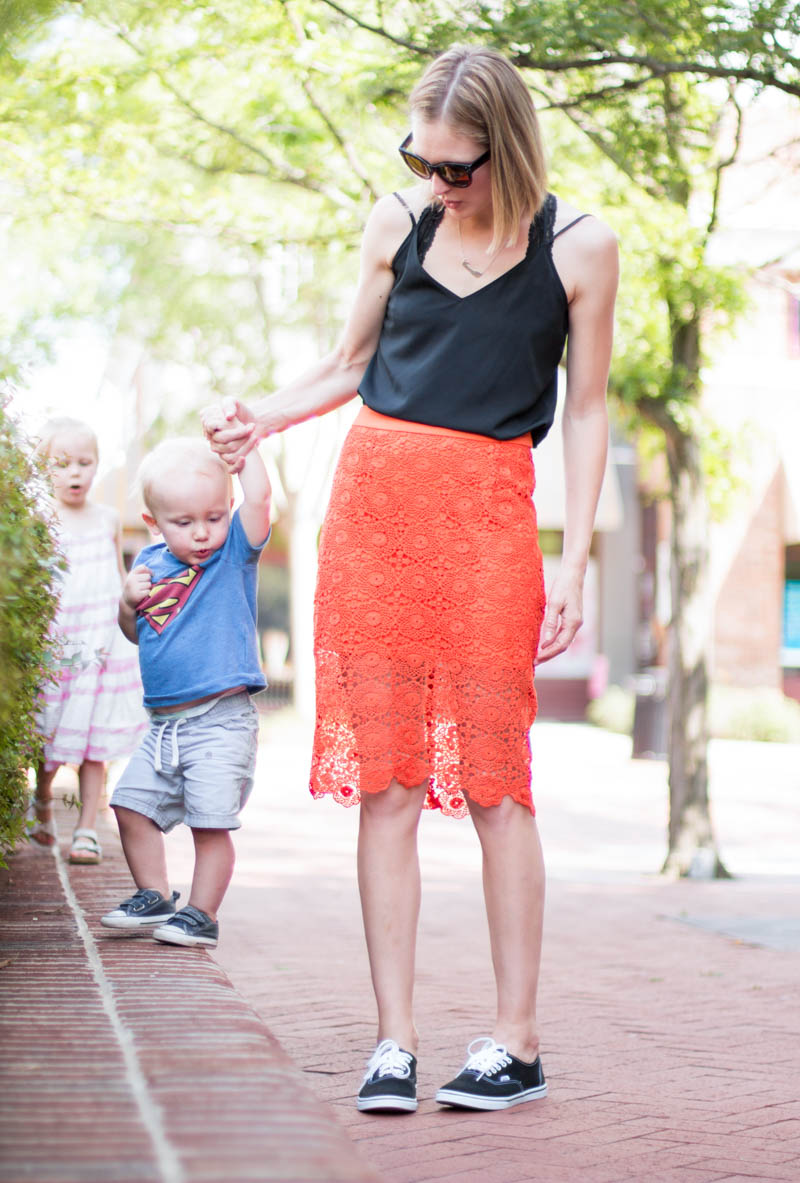 pencil skirt-with-sneakers