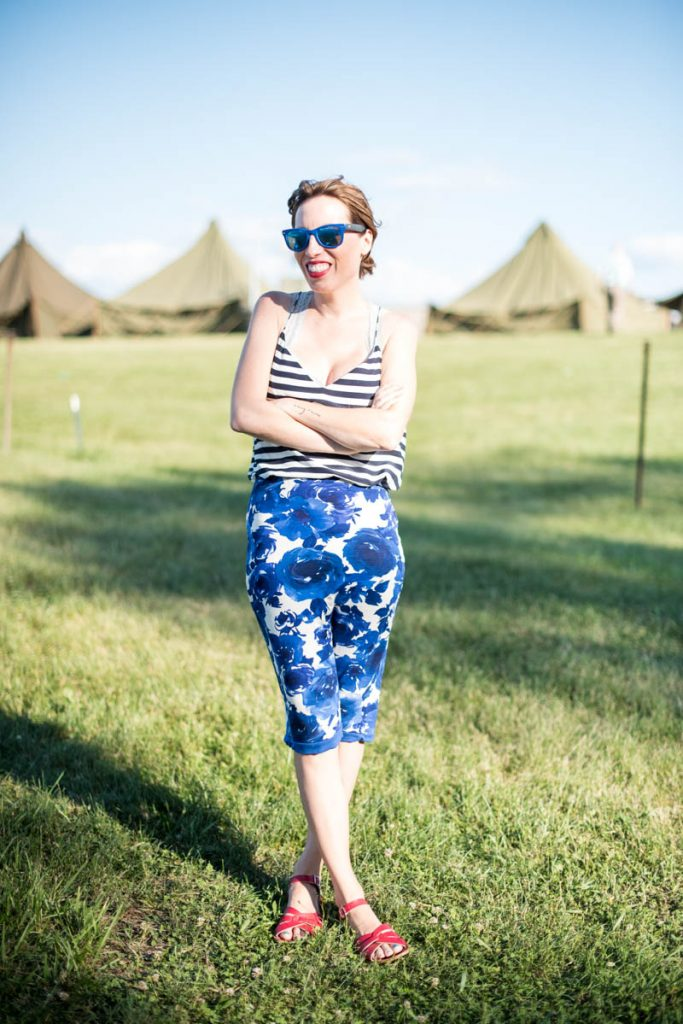 pencil-skirts-and-flat-sandals