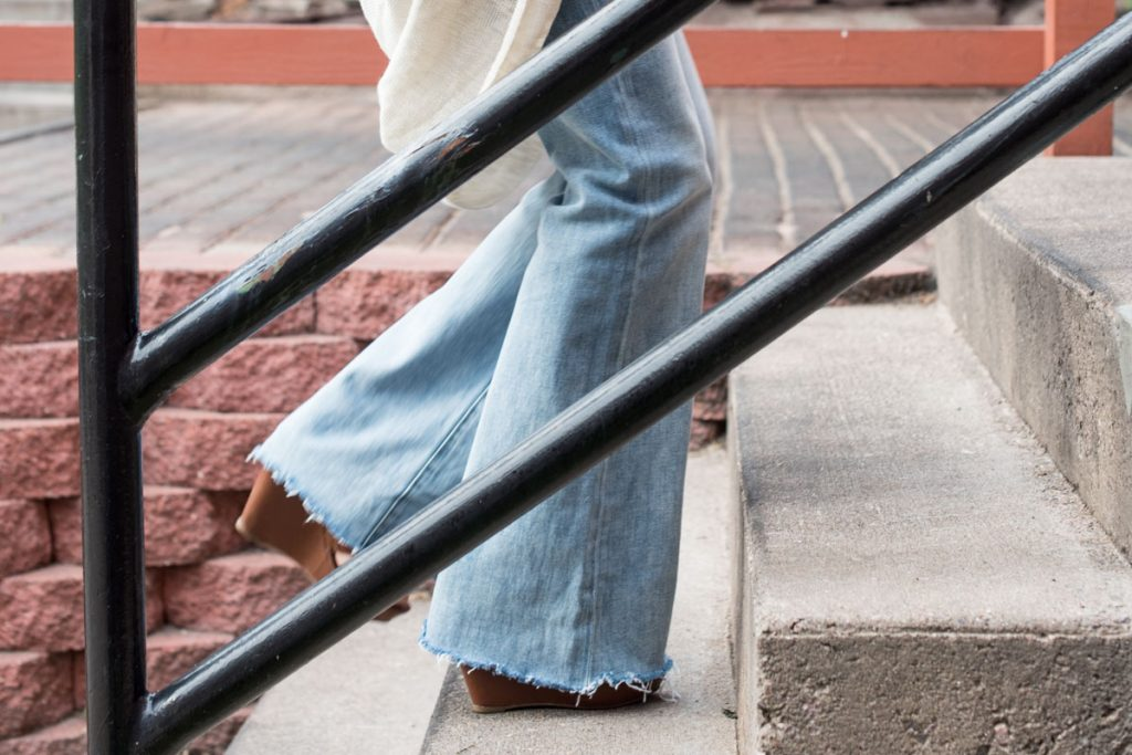 rough-cut-flare-jeans