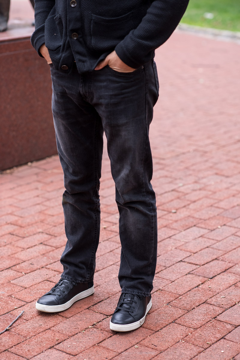 Guy Style: Two Easy Ways To Wear Black Jeans - The Mom Edit