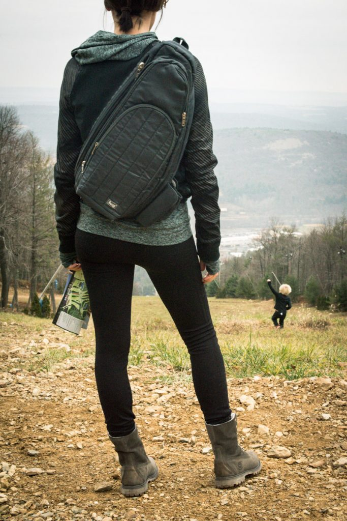 hiking-boots-and-leggings