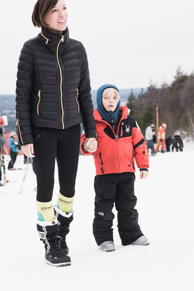 What To Wear and Pack For a Ski Weekend | The Mom Edit | Bloglovin'