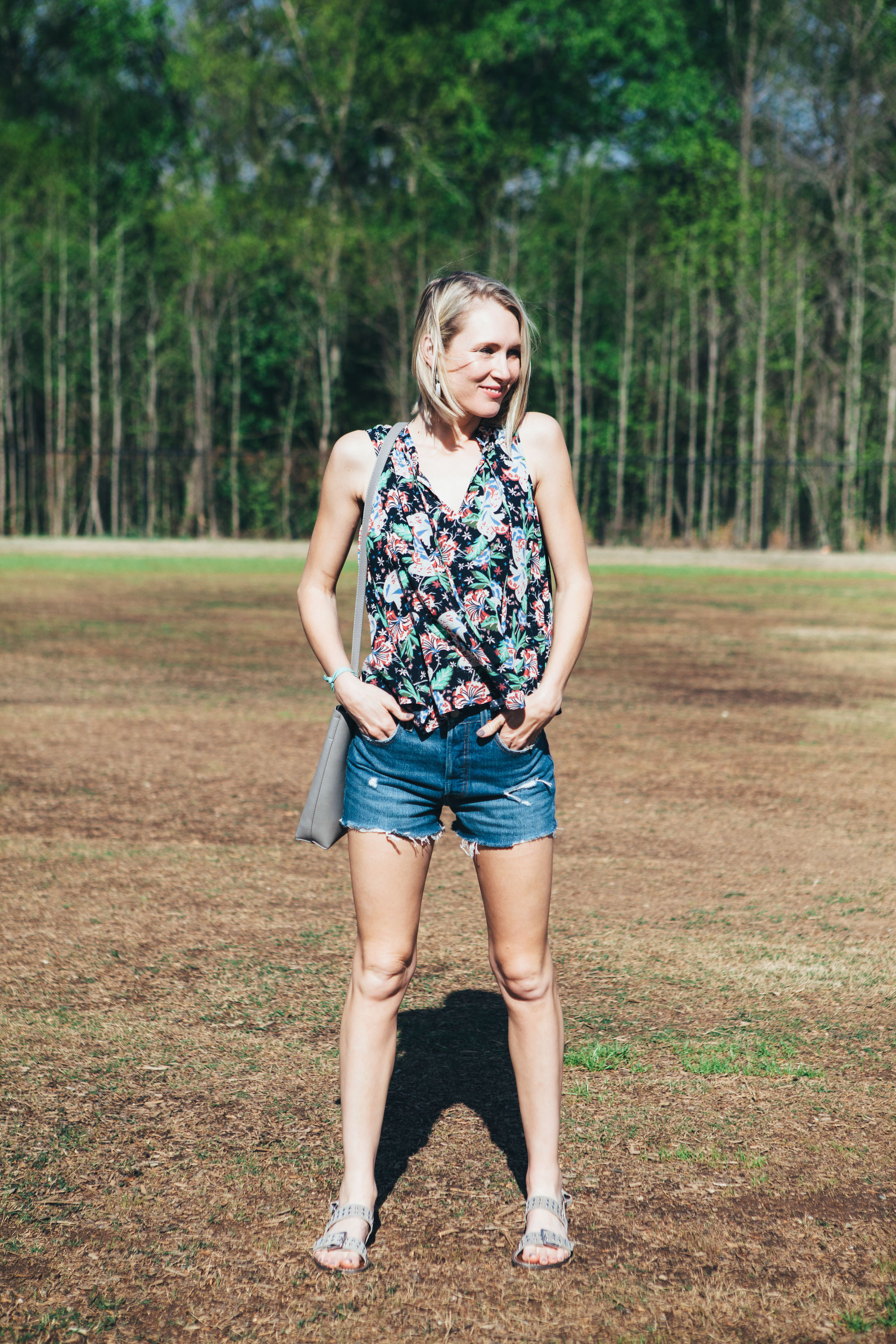 floral-print-tank-with-cut-off-shorts