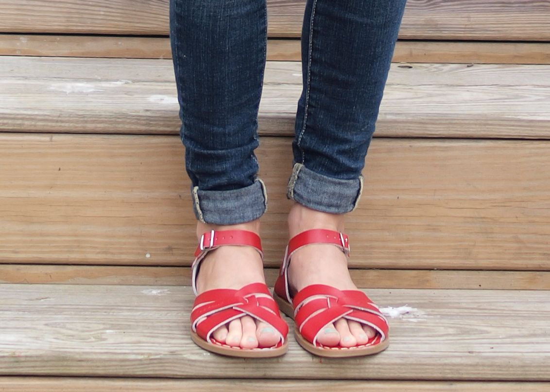 A Review of Saltwater Sandals for Moms