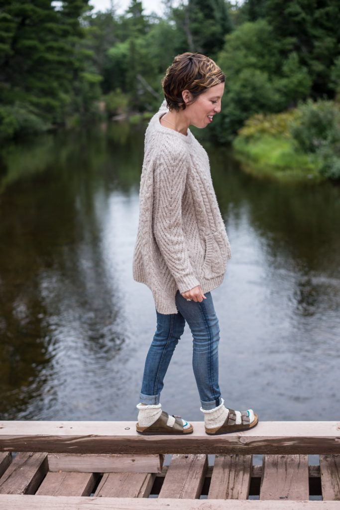 Birkenstocks with socks: comfortable, stylish, trendy. The Mom Edit is nailing this '90s style throwback for all seasons & you can too. Here's how.