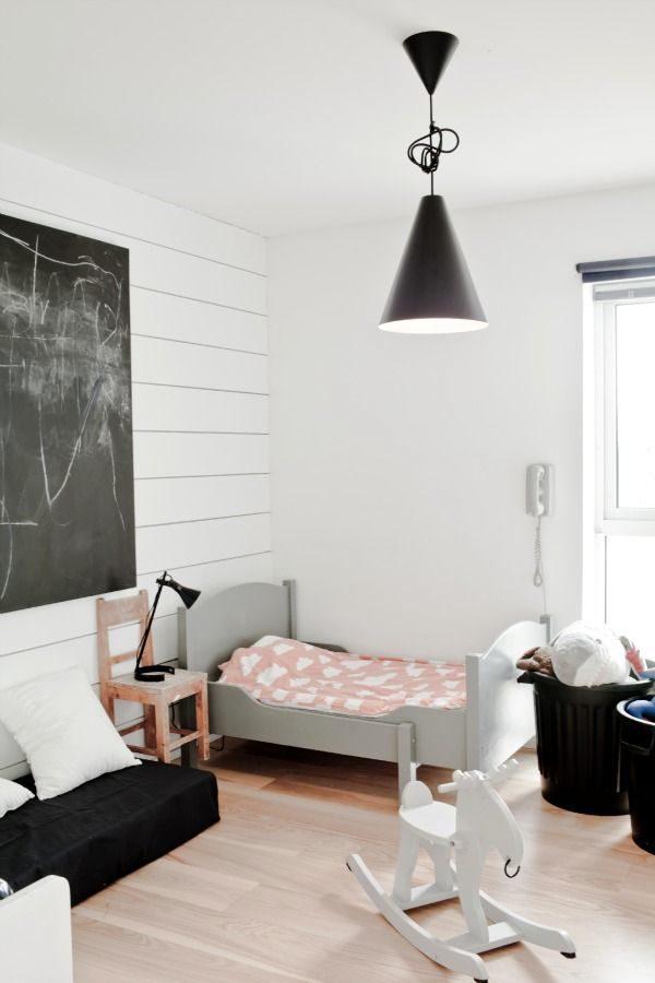 pinterest-mod-toddler-room-black-white