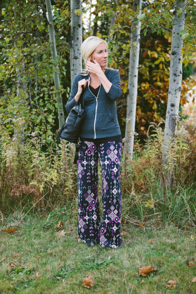 how-to-wear-printed-pants-5