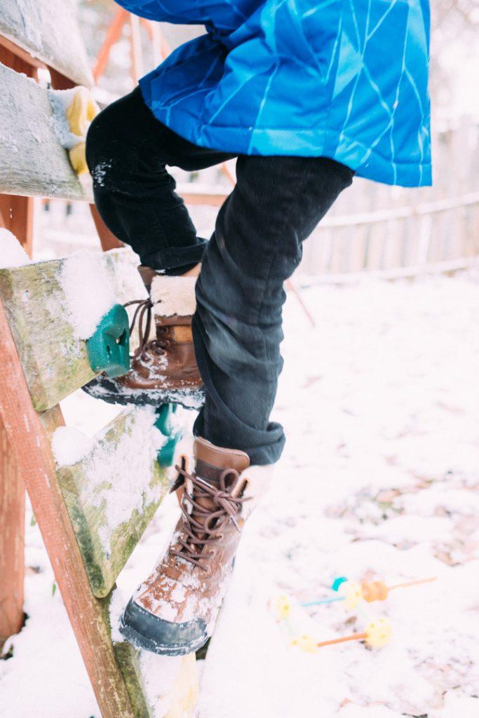winterboots-kids-uggs-northface-jacket-5