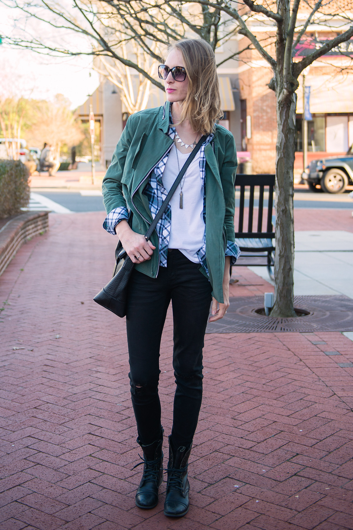 styling-tee-jeans-the-mom-edit-4