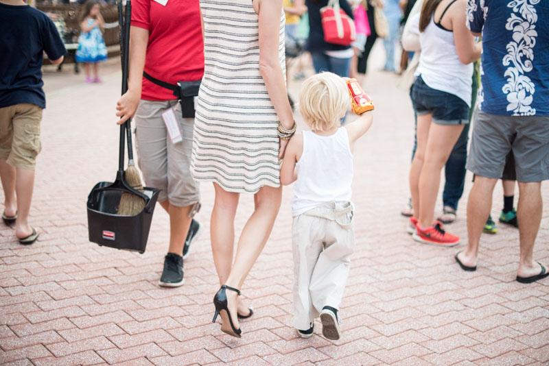 mom-and-baby-at-fair