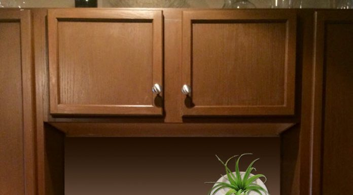 Kitchen-Sink-Wall-Makeover