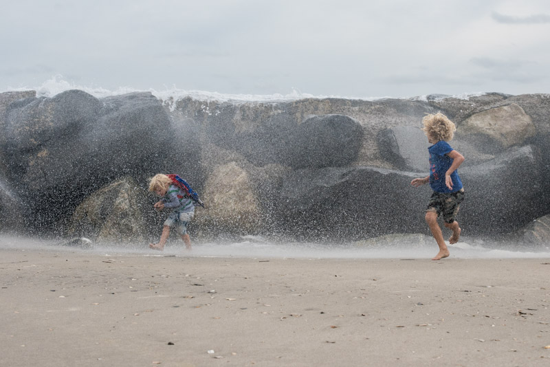 waves-crashing-at-avalon-jetty