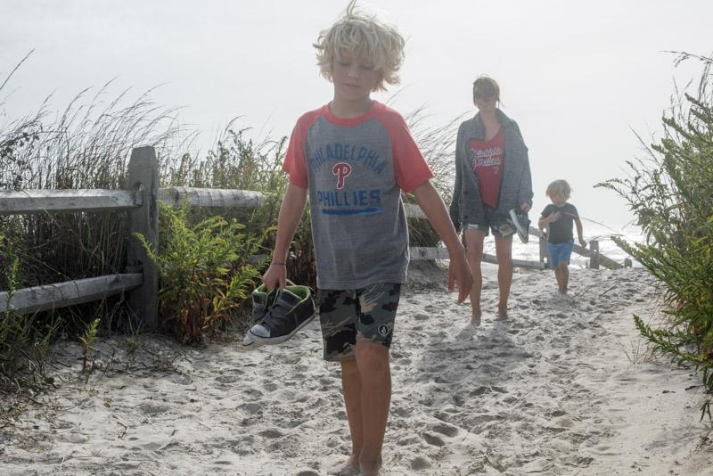 what-to-wear-fall-beach-weekend