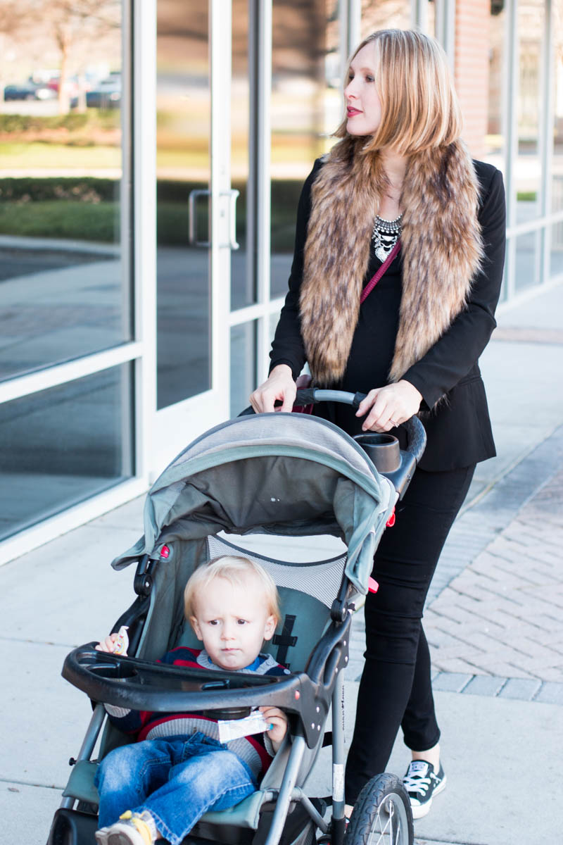 casual-glam-maternity-outfit