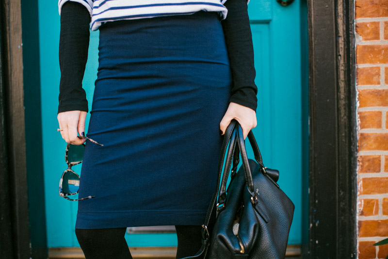 navy-stretchy-pencil-skirt