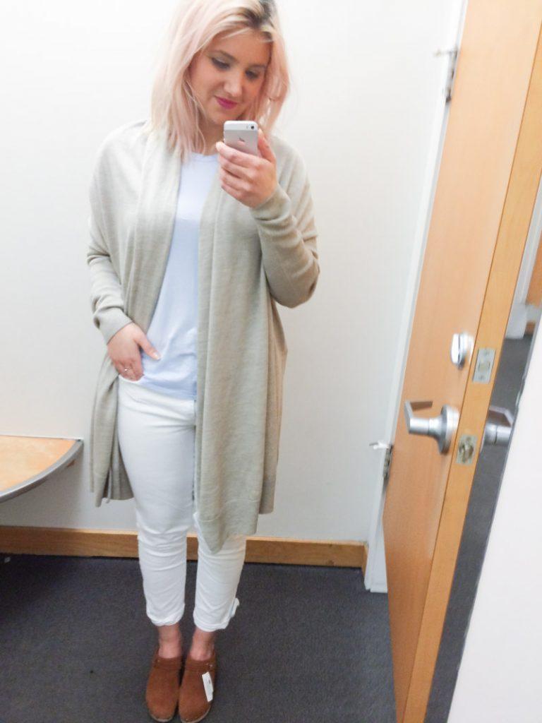 gap dressing room selfie final 1