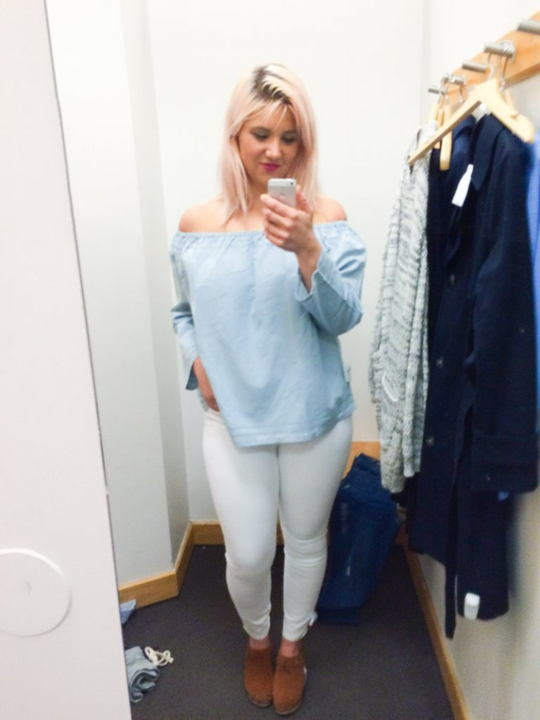 gap dressing room selfie off the shoulder top_