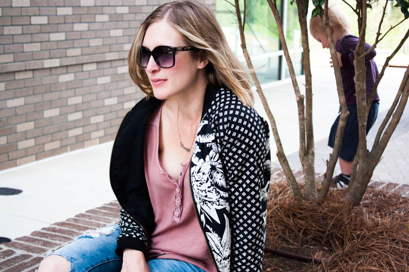 bomber-jacket-worn-with-casual-outfit