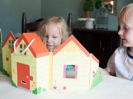 foldable-portable-dollhouse