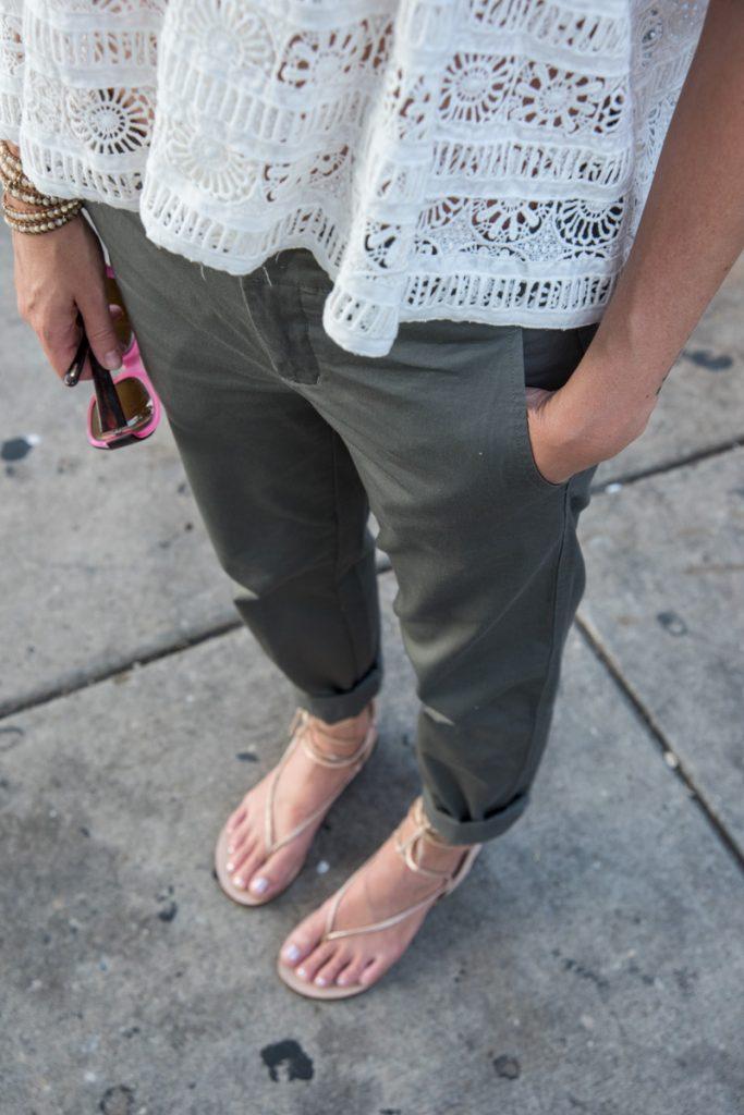 khaki-pant-summer-styling