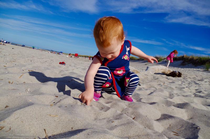 baby-outfit-beach-photos