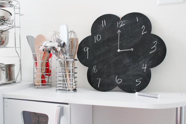 play-kitchen-kids-room