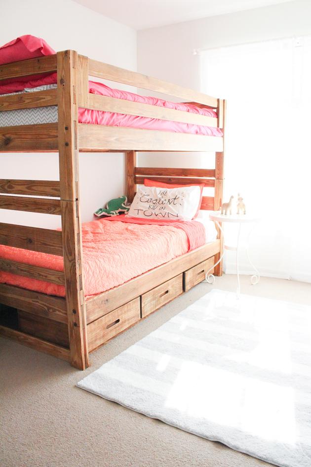 wooden-bunkbeds-in-kids-room