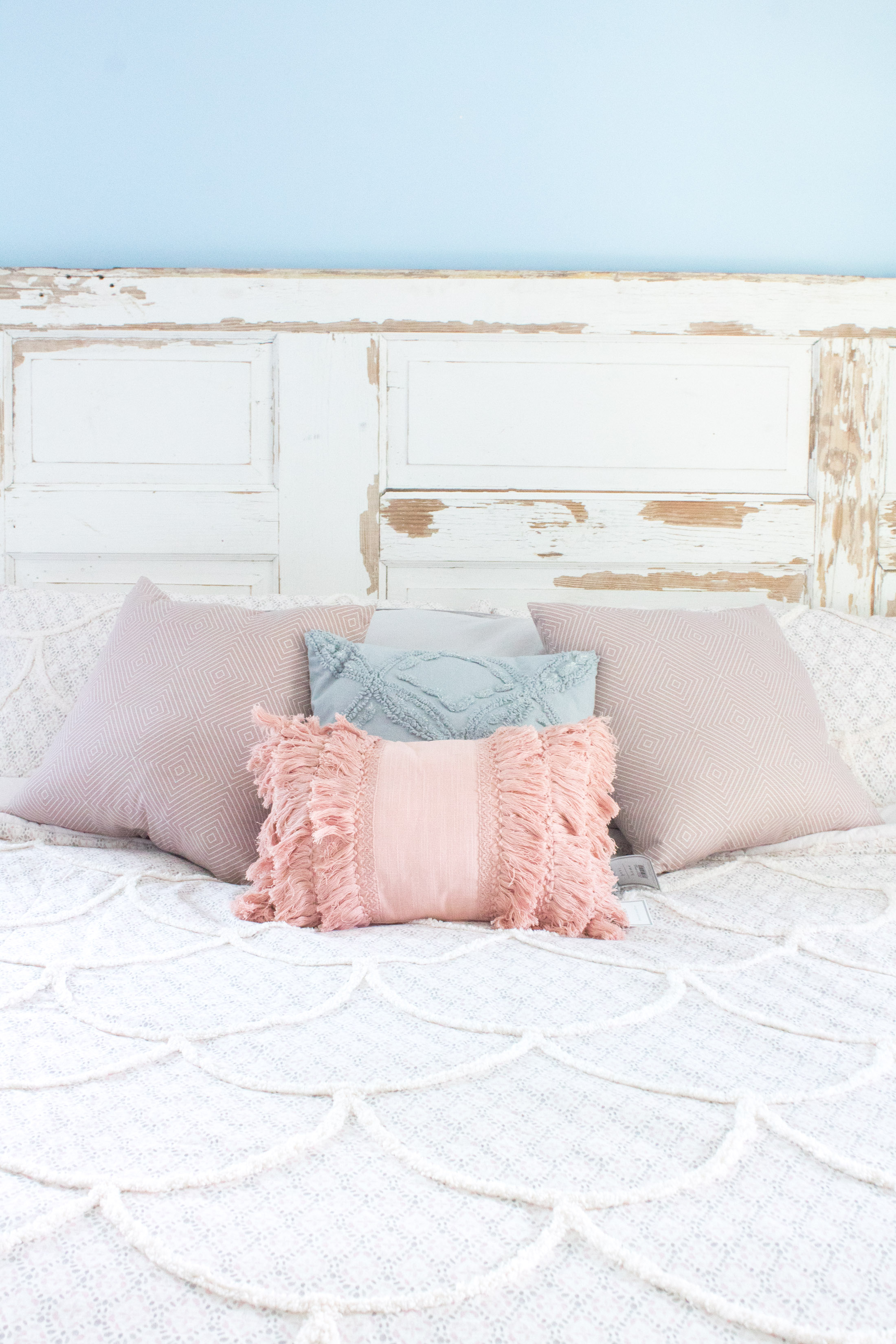 pale pink bed set