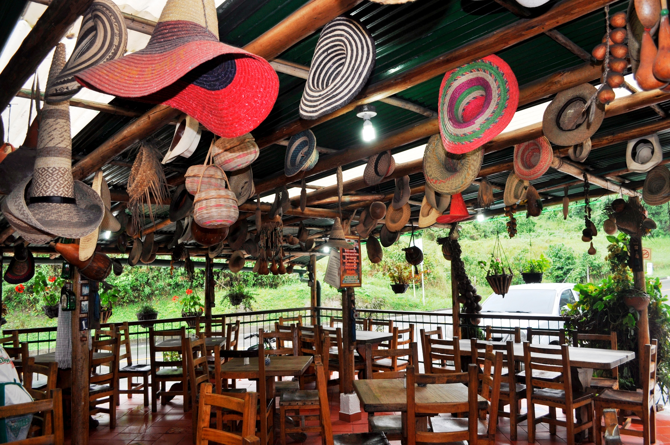 """Traveling with the fam to Colombia? For an adventurous getaway to the mountains of el """"pueblo"""" La Mesa near Anapoima, see how we do."""