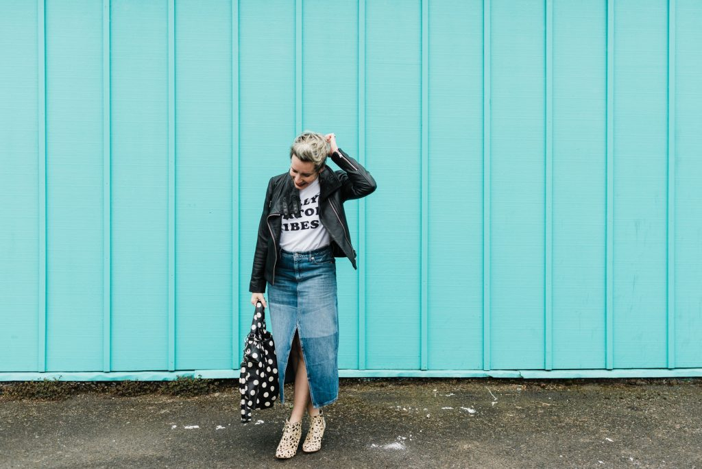 Lackadaisical attitude about your wardrobe right now? Same. Too cool for summer outfits, too hot for fall. Shop your closet! 15 ready-to-wear outfit ideas, inside.