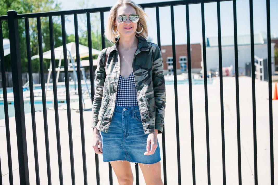 styling-denim-skirt-for-summer
