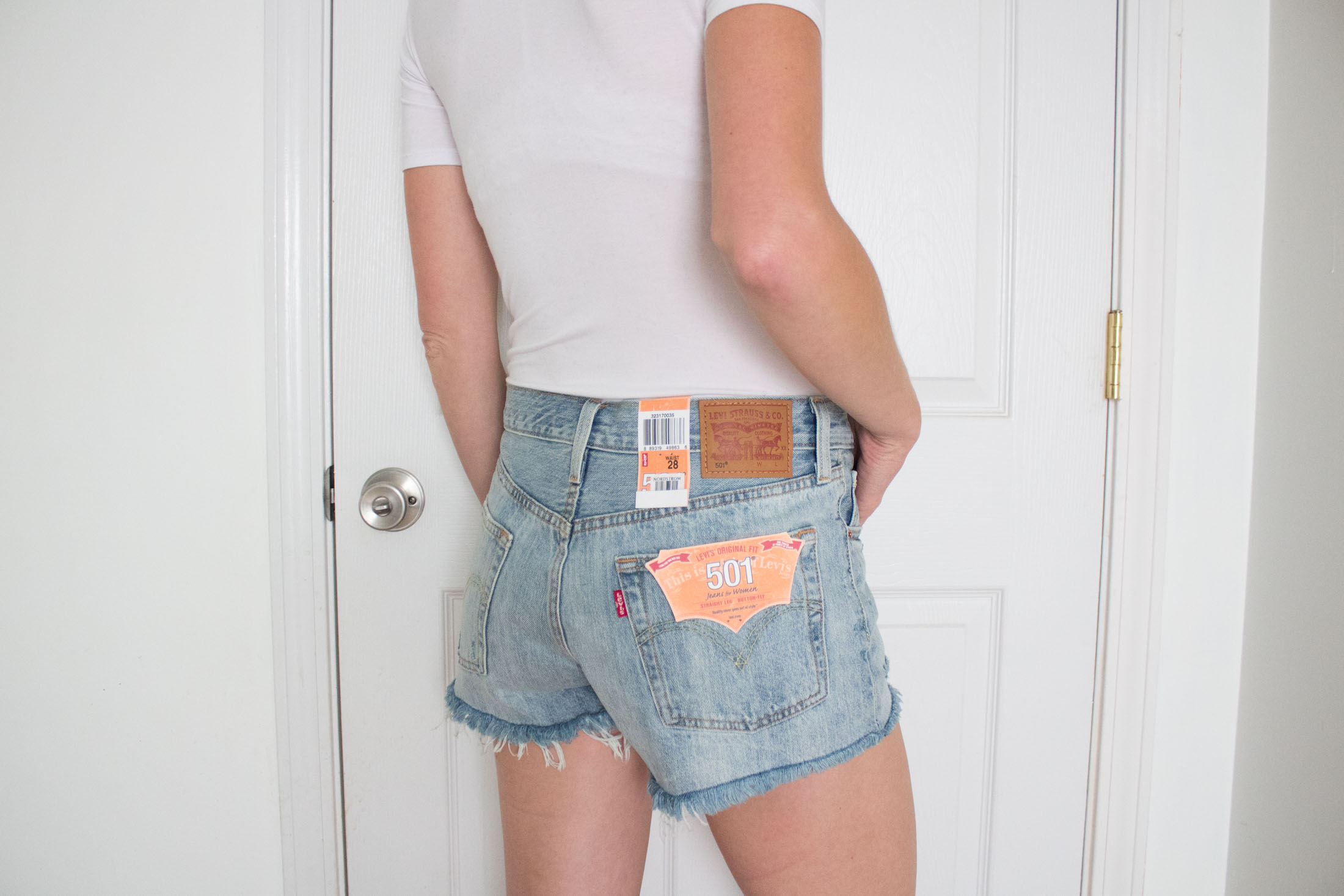 levis-501-cutoff-denim-shorts