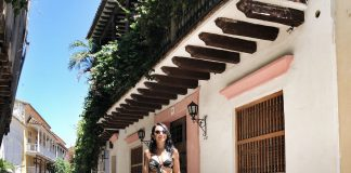A romantic vacay can be a test for looking sexy & feeling confident when coming to terms with your postpartum body. Here's how we do it for Colombia.