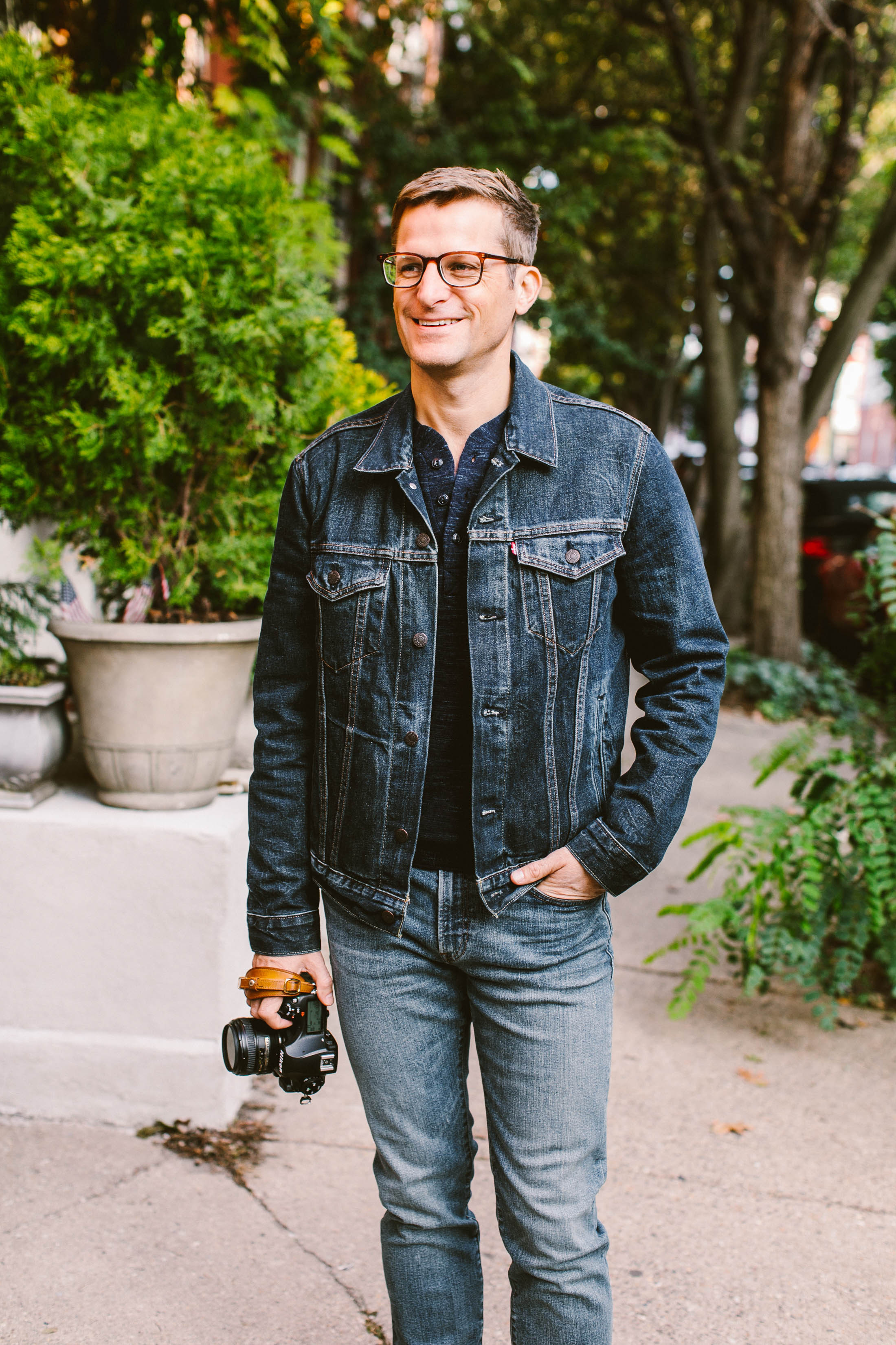 Jean jackets are a staple in all of our wardrobes, right? We think men should have 1 too. Here's why we swear by this versatile denim piece.