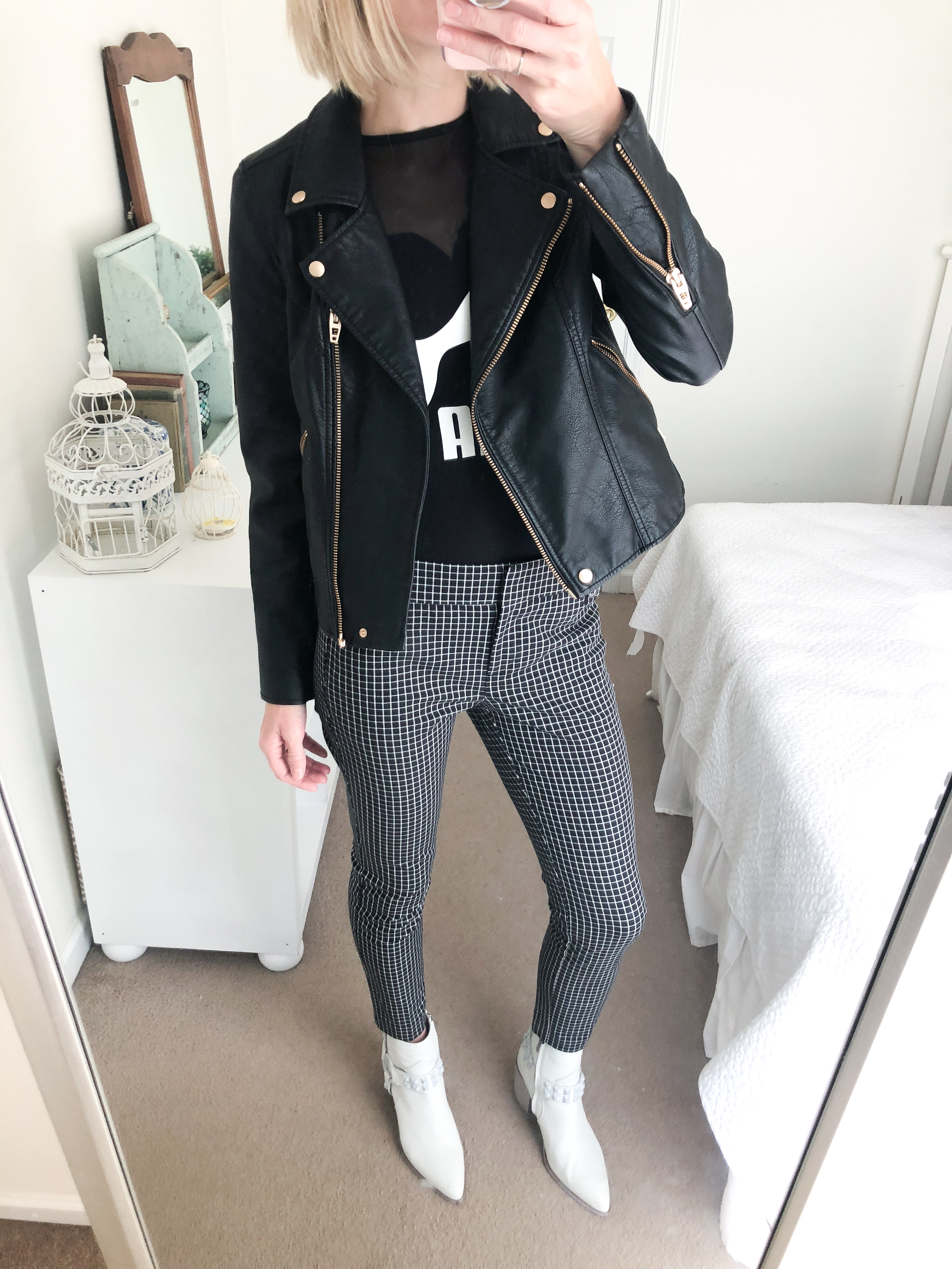 styling printed cropped pants