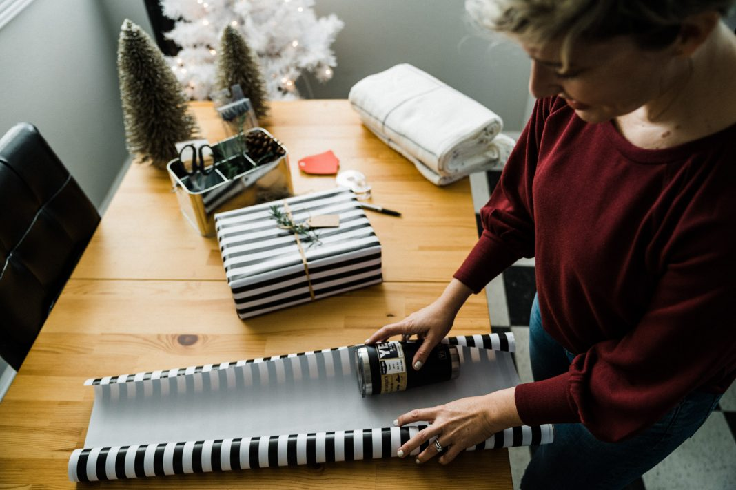 Want to get all your holiday shopping done in 1 fell swoop? We're knocking out wishlists at eBay, where we really custom search. Here's what we're gifting.