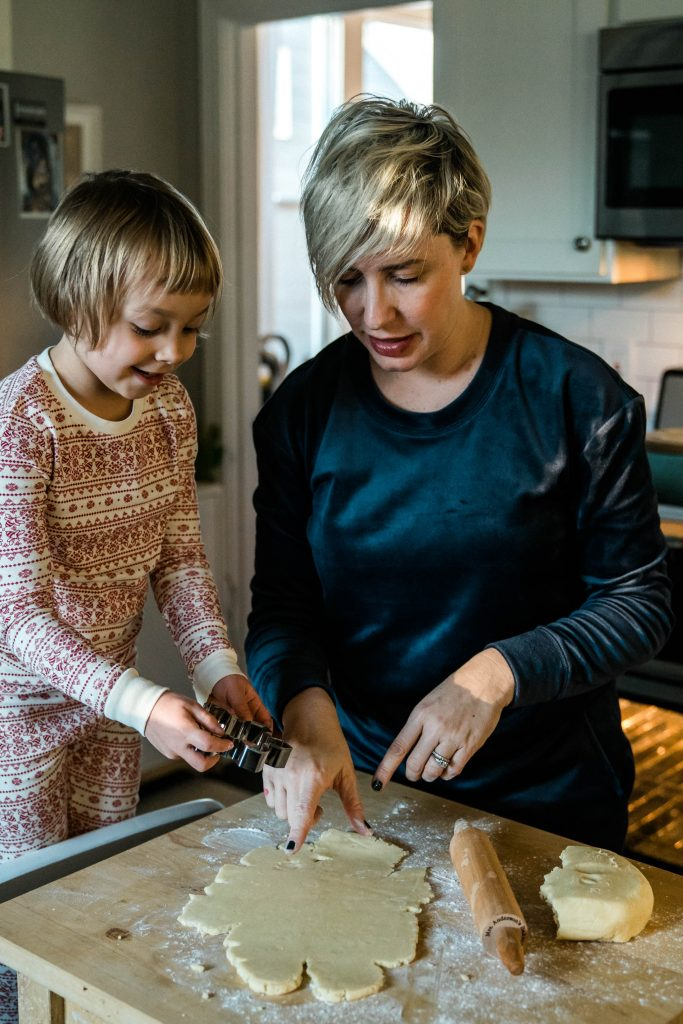 There's nothing sweeter than baking Christmas cookies with little ones during the holidays — all while wearing cozy, lux-feeling loungewear. Join us!