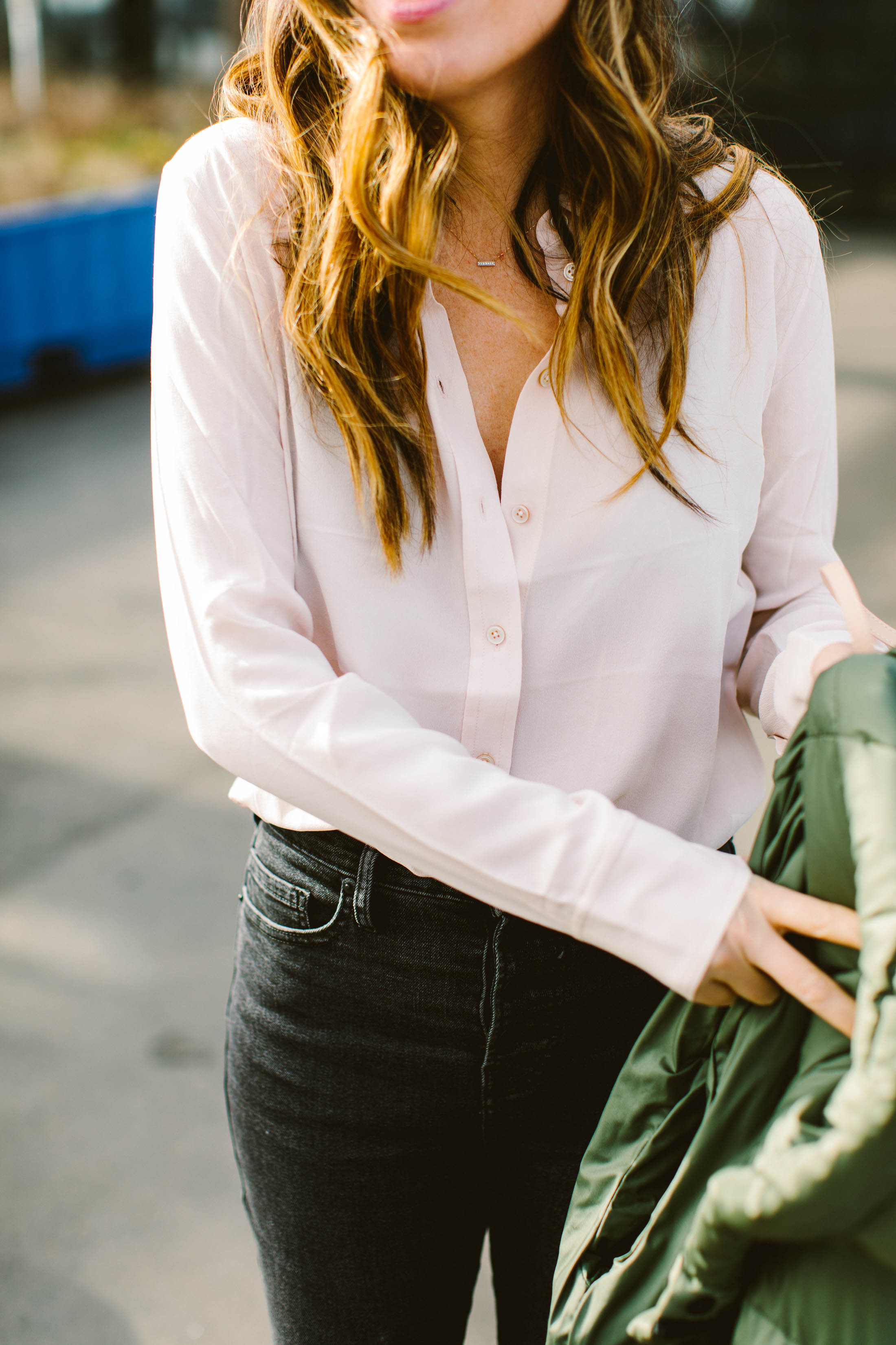 We're obsessed with Everlane. Their pieces are perf for layering + creating outfits & capsule wardrobes. From the bra down to the Day Glove, we're smitten.