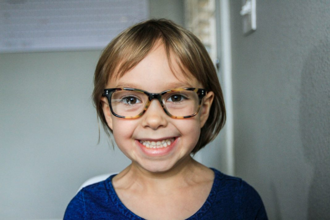 Reading really is fun & we found a seriously cool company for ordering kids' glasses. Jonas Paul eyewear comes with so many bonuses — see for yourself.