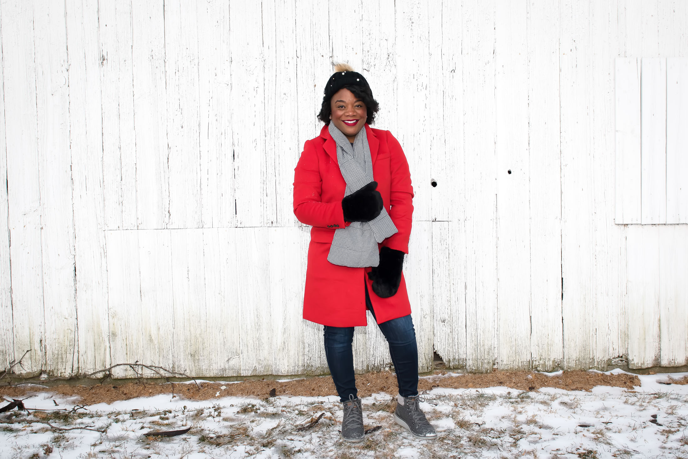 Cute hats, gloves, mittens & scarves make winter WAYYYY more fun. We're keepin' it chic with these cozy accessories. Polar vortex? Bye, Felicia!