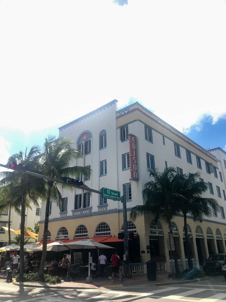 Art Deco hotels on Collins Avenue & shopping on Lincoln Road — a daytrip to South Beach in Miami wouldn't be complete without 'em. See how we do.