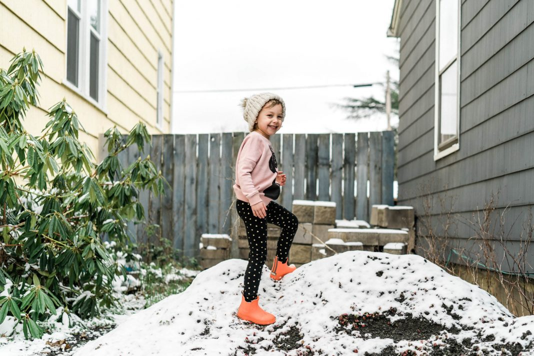 Graphic prints, bold color & pattern mixing are spot-on ingredients for self-expression. Here's our recipe for a stylish girls' capsule wardrobe. Have fun!