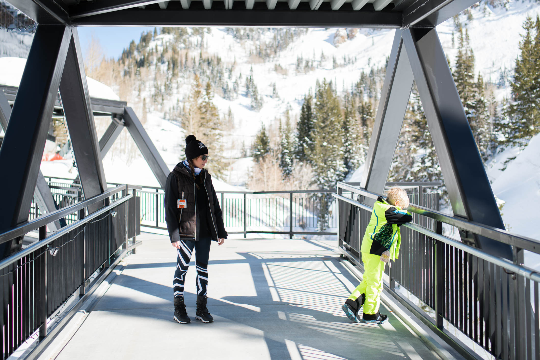 A cute après-ski outfit for gals who really ski revolves around your actual all-day ski gear —cute baselayers, comfy-chic boots & a hat —here are my favs.